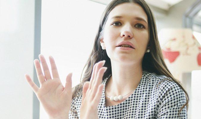 Как я начала учить язык жестов   Блог Варвары Лялягиной «Дом, в который хочется приходить»