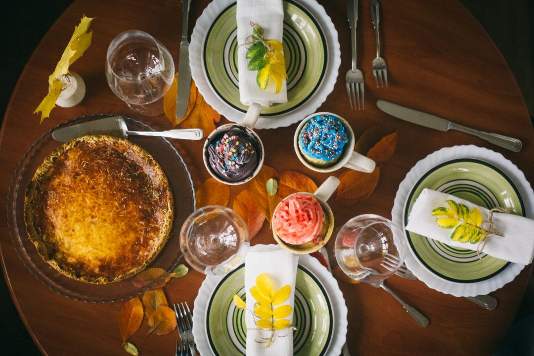 Сервировка осеннего стола к домашнему ужину