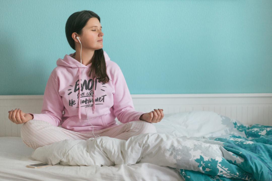 5 приложений для медитаций утром и перед сном